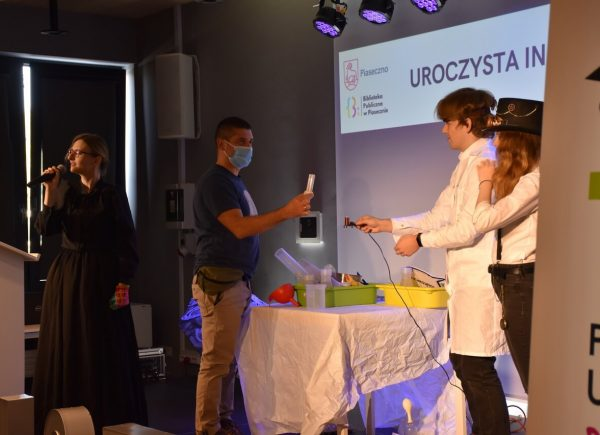 Uroczysta Inauguracja Piaseczyńskiego Uniwersytetu Dziecięcego - wykład inauguracyjny zudziałem opiekunów studentów