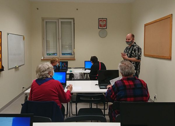 Zdjęcie z warsztatów komputerowych