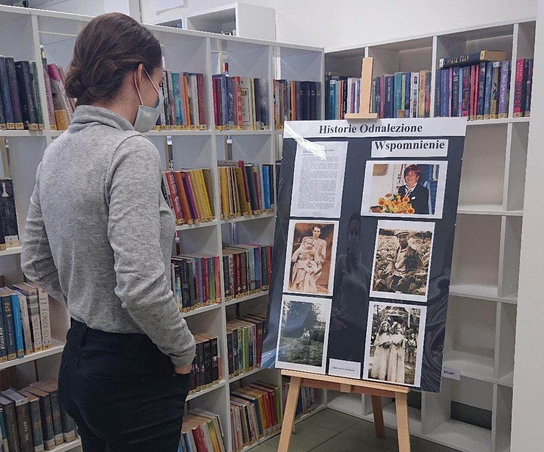 Wernisaż wystawy Historie Odnalezione wZalesiu Górnym