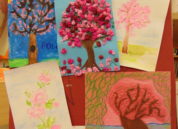 Rysunki sakury czyli drzewa kwitnącej wiśni