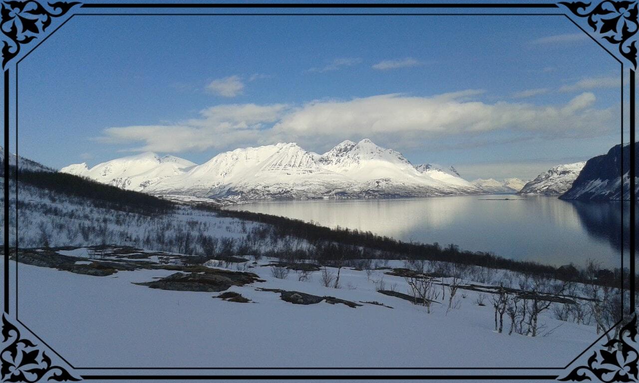 Norwegia Północna, widok nawyspę Kågen zwyspy Uløya