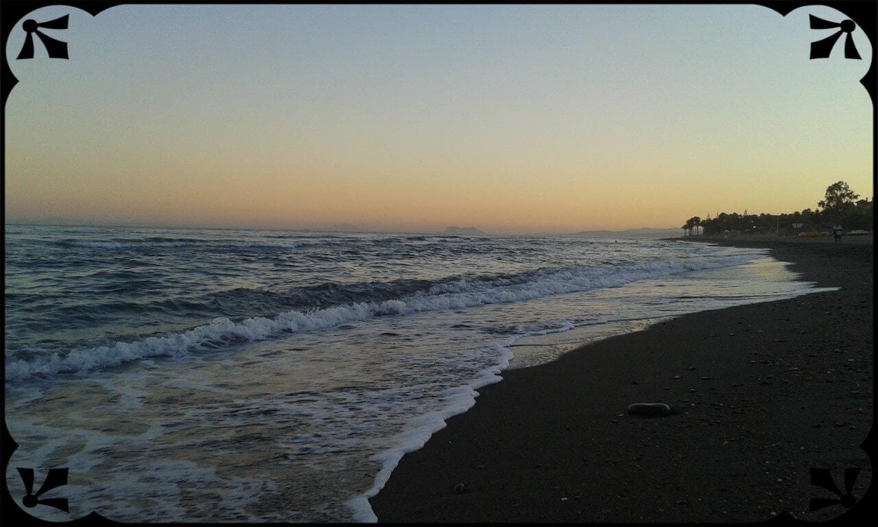 Morze Alborańskie, Estepona plaża, wtle Gibraltar, fot.Łukasz Siudak