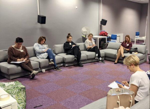 Uczestniczki warsztatów podczas pracy samodzielnej