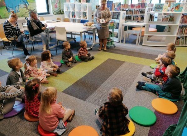 Lekcja biblioteczna Przedszkole Delfinek